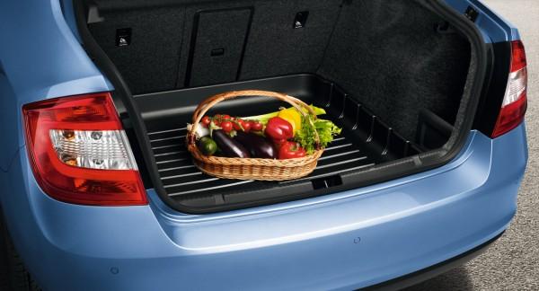 Kofferraumwanne mit erhöhtem Rand für Rapid Limousine